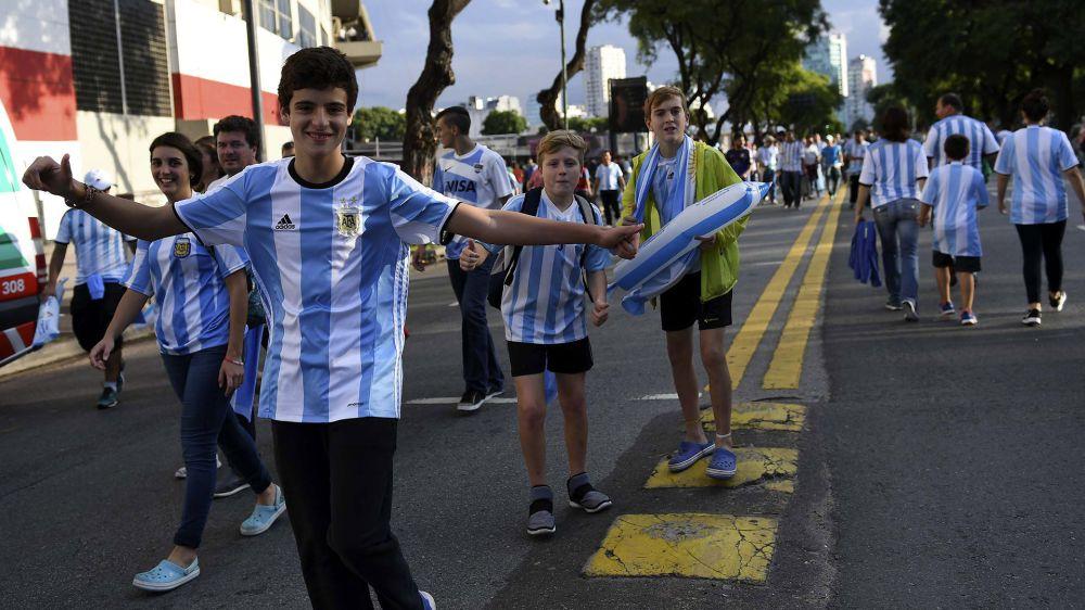 VIDEO: La opinión del hincha argentino sobre las Eliminatorias