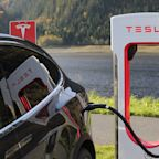 Tesla Tanks on Negative Model 3 Report: How Will Elon Musk React?