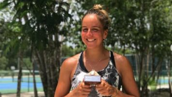 Ingrid Martins é campeã do ITF Cancún de tênis