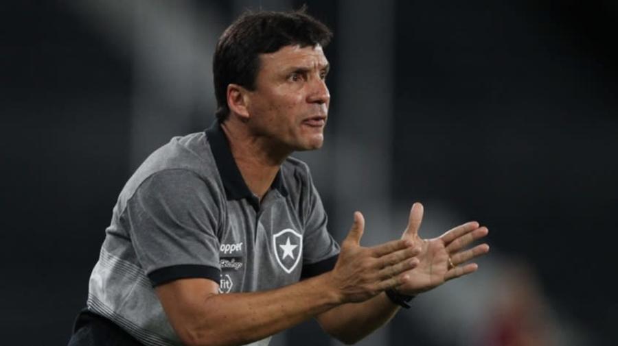 Botafogo demite técnico Zé Ricardo após eliminações