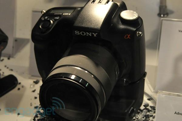 Sony 'Advanced Model' (Alpha A77?) DSLR emerges at Photokina, E-mount firmware coming soon