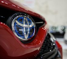 Toyota Keeps Profit Goal Intact, Defying Pandemic and Rivals