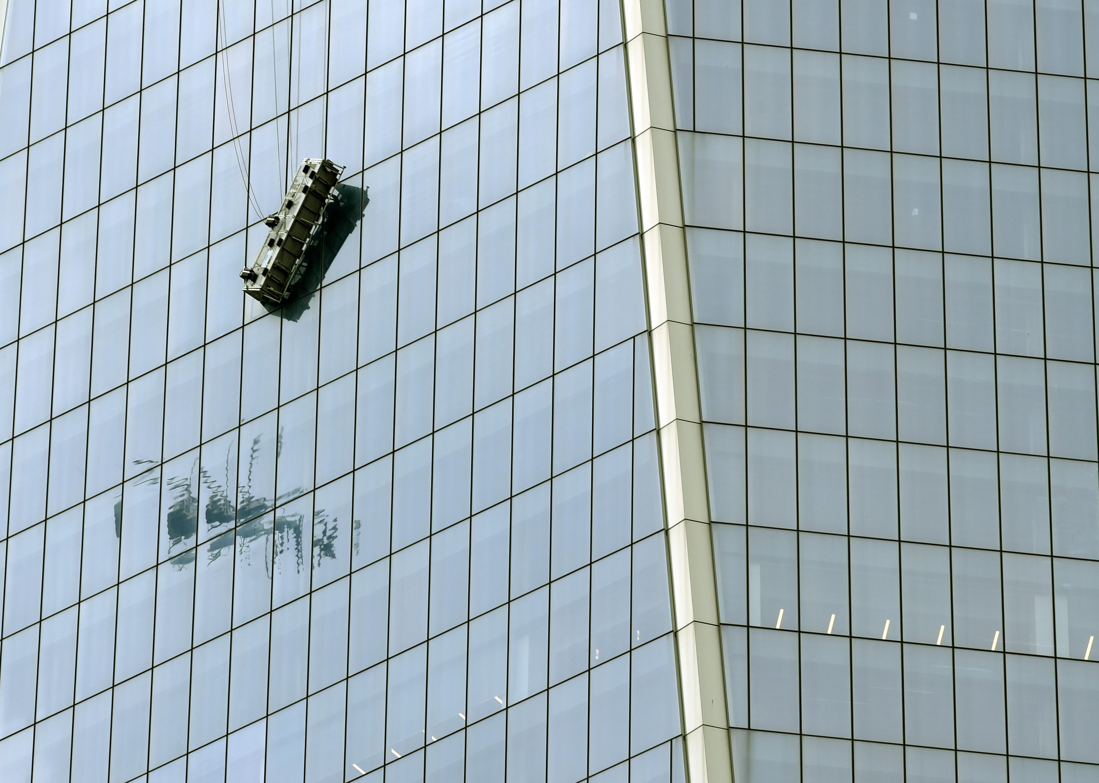 window washers rescued from 69th floor