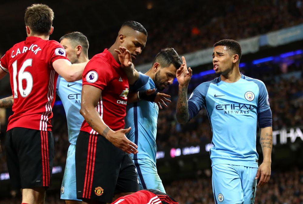 Cartão amarelo, gol anulado e excesso de raça: a volta de Gabriel Jesus ao Manchester City