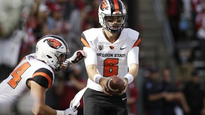 Young boy inspires injured Oregon State QB