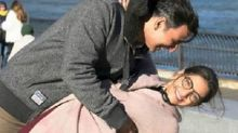 Sonam Kapoor cannot stop smiling as Akshay Kumar holds her in his arms