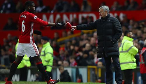 Premier League: Mou: Pogba soll sich auf Fußball konzentrieren