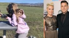 Carey Hart shares photo of daughter learning to shοοt