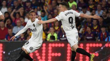 Valencia stun Barcelona to win Copa del Rey