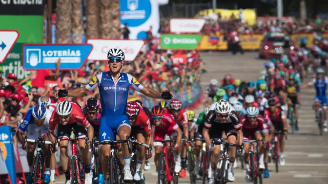 Trentin wins stage, Froome keeps Vuelta lead