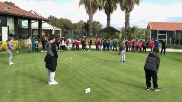 Golf a scuola, il futuro va in buca
