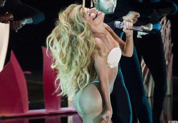 Lady Gaga : Les stars portent le string au pinacle