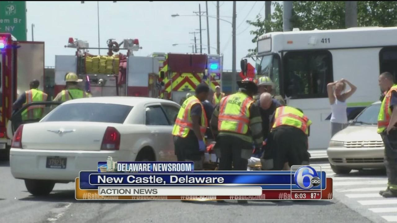 3 injured after Dart bus and car collide in Delaware