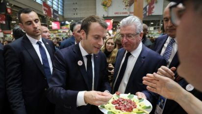 """Salon de l'agriculture: Macron est carnivore, mais trouve les flexitariens """"intelligents"""""""