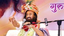 Sri Sri Ravi Shankar in UAE: Thousands Meditate for 'World Peace' for the First Time in Middle East