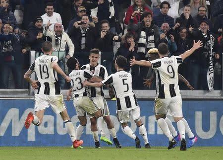 Jogadores da Juventus comemoram gol marcada sobre o Milan pelo Campeonato Italiano