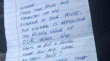 """Menschen helfen der Mutter eines krebskranken Kindes, die wegen """"Schandfleck""""-Haus kritisiert wurde"""