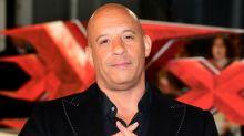 """Vin Diesel supera Dwayne Johnson, seu companheiro de elenco em """"Velozes e Furiosos"""", como o ator mais bem remunerado de 2017"""
