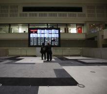 Oil sinks while global stocks gain on North Korea, euro shaken by Italy