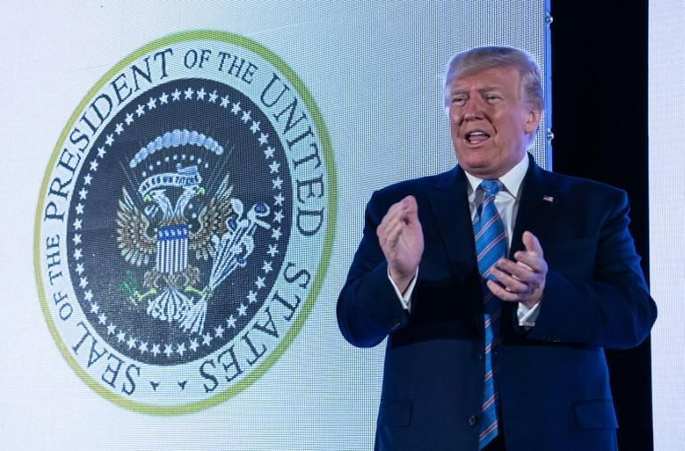 Altered presidential seal showed eagle with golf clubs at Trump speech