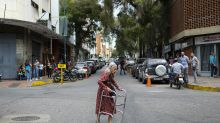 El infierno de la vejez en Venezuela: ancianos abandonados, atacados y vejados con una pensión de menos de un dólar
