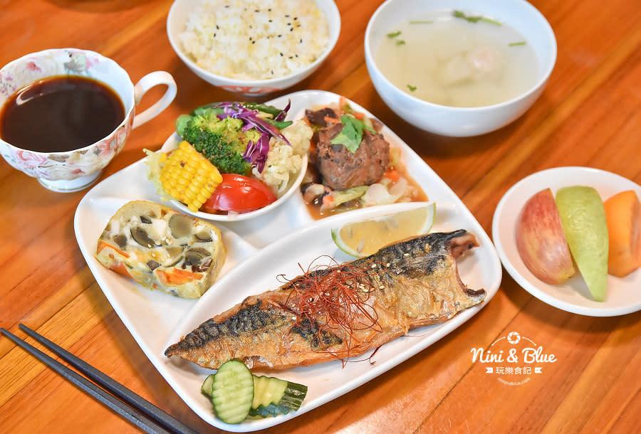 東麗風店 茶花 咖啡 台中咖啡館15