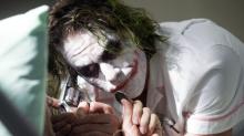 """""""The Joker"""" als Geburtshelfer: Arzt erscheint an Halloween als Joker im Kreißsaal"""
