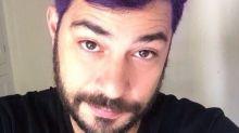 Evaristo Costa surpreende fãs ao aparecer com cabelo roxo