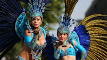 Découvrez les plus beaux looks colorés du carnaval de Notting Hill 2017