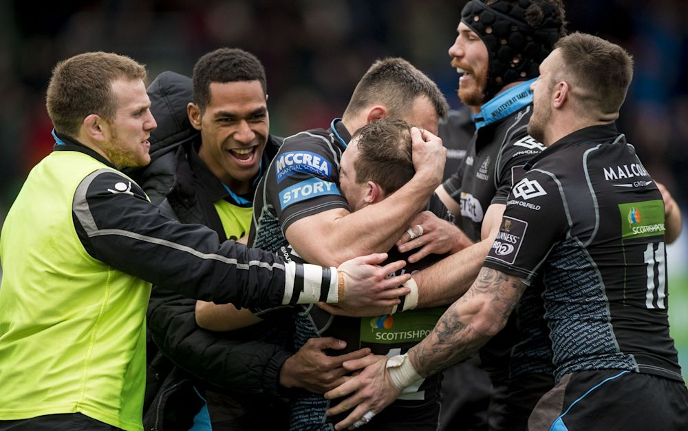 Glasgow Warriors celebrate against Newport Gwent Dragons - Rex Features