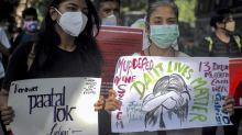 Inde: la police accusée de vouloir étouffer le viol d'une «intouchable» dans l'Uttar Pradesh