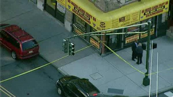 Suspect shot and killed in attempted jewelry store robbery