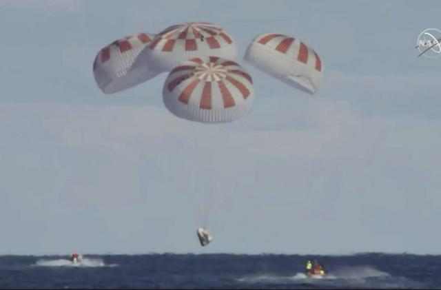 SpaceX parachute test failure could further delay crewed flight