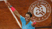 Rafael Nadal routs Novak Djokovic in French Open final, ties Roger Federer's Slam record