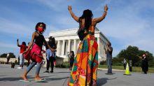 Washington se prepara para grandes protestas mientras las autoridades tratan de contener a la policía en EEUU