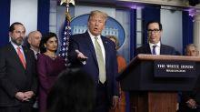 """Trump planea """"dar cheques"""" a los ciudadanos para frenar el impacto económico del coronavirus"""