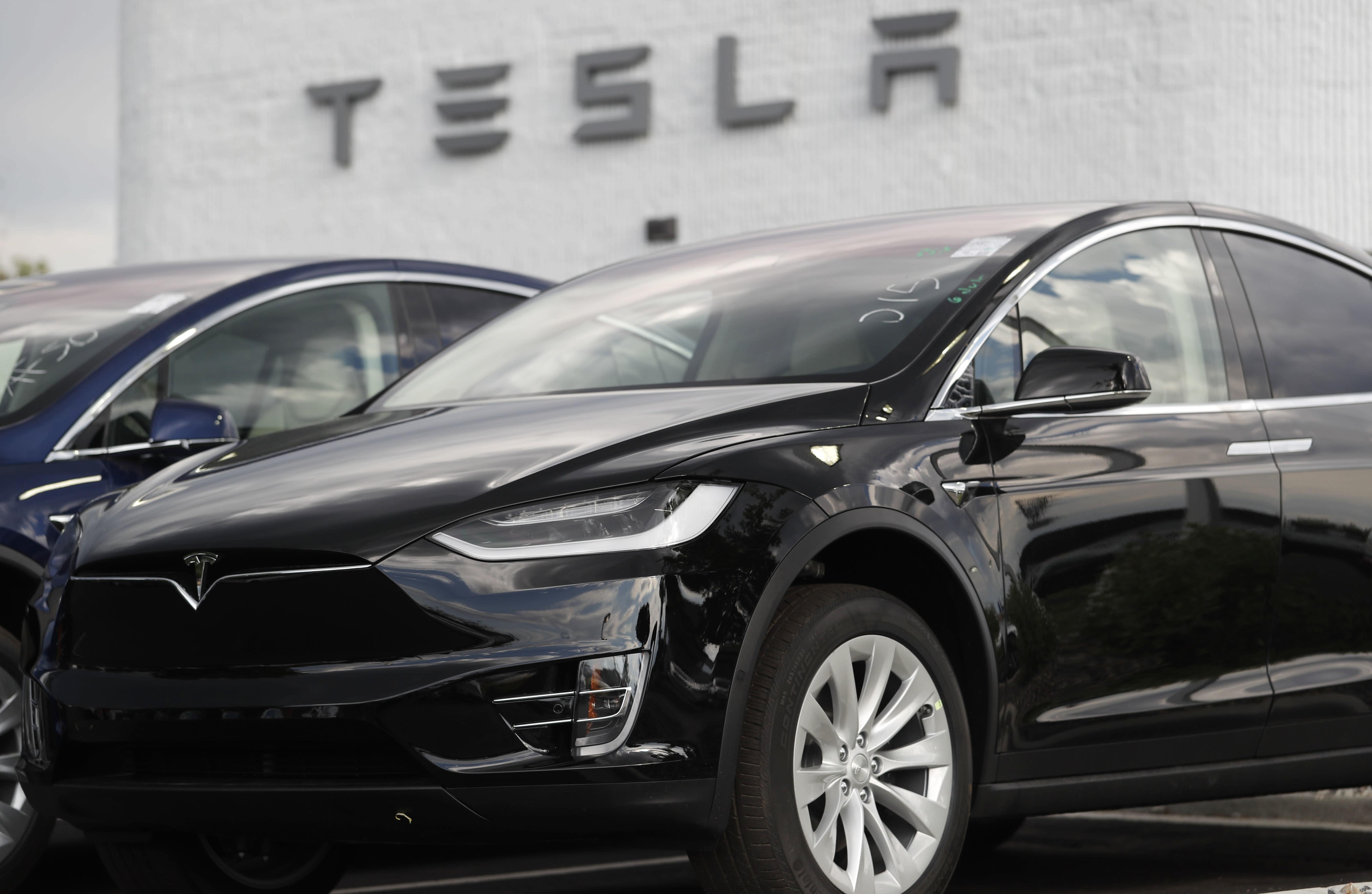 a3897372e Correction: Tesla-Electric Rivals story