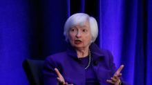 Expresidenta de Fed dice curva de rendimiento EEUU podría reflejar necesidad de recortar tasas