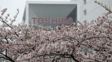 Toshiba flips back towards Western Digital group for chip unit sale: sources