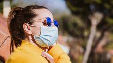 L'astuce pour éviter les marques de bronzage au visage avec un masque de protection contre le coronavirus