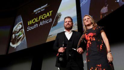 Pequeno restaurante de praia sul-africano é nomeado o melhor do mundo