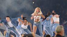 Halb Hose, halb Shorts: Der Look von Sängerin Rita Ora verwirrt die Fans