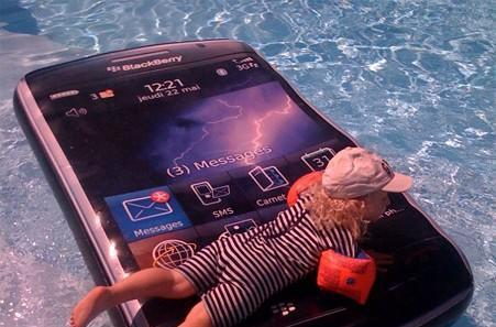 Caption Contest: Waterproof BlackBerry Storm doubles as flotation device
