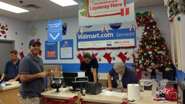Layaway Santa Pays on Total Strangers' Accounts at Florida Walmart