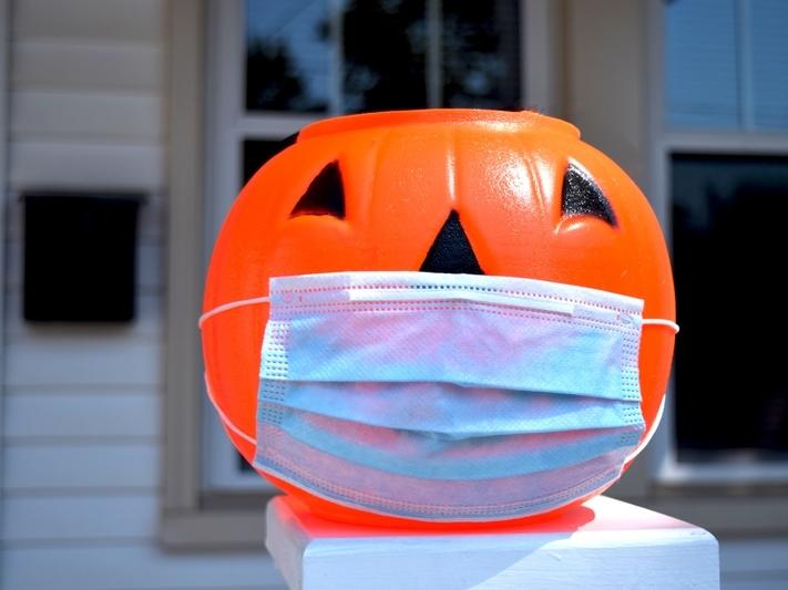 Do you feel safe sending your kids trick-or-treating this year? Maryland Department of Health and CDC experts say kids should stay home.