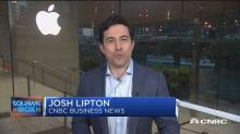 Apple opens flagship store in Chicago