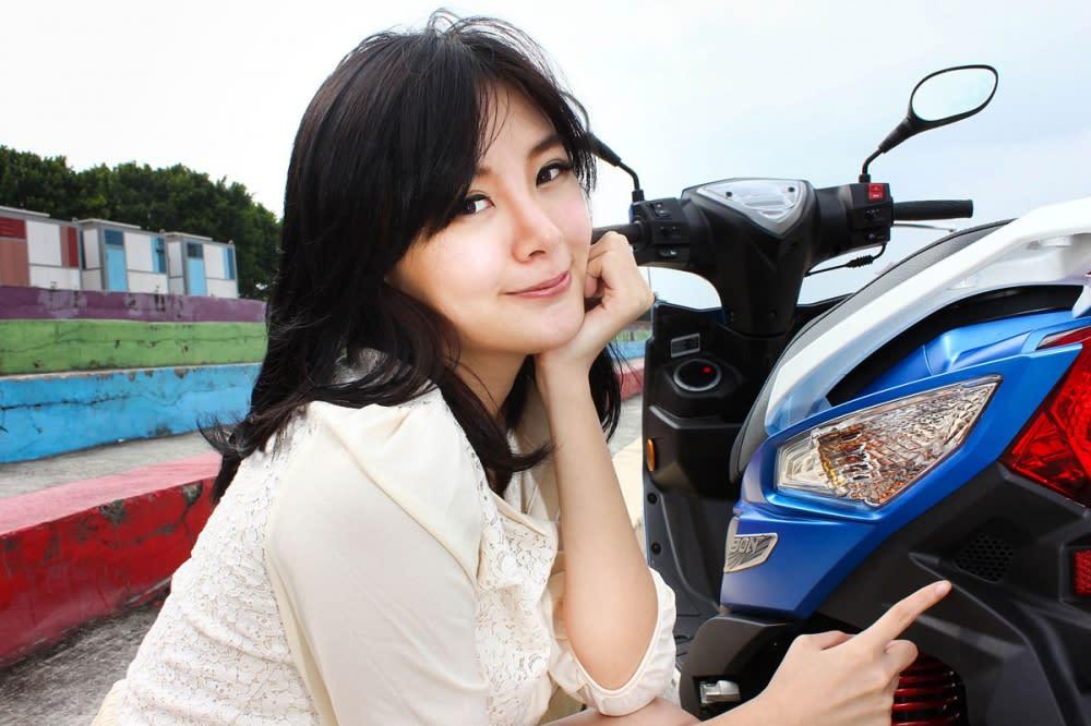 導流設計對於車身穩定性與省油性也有些許的幫助。