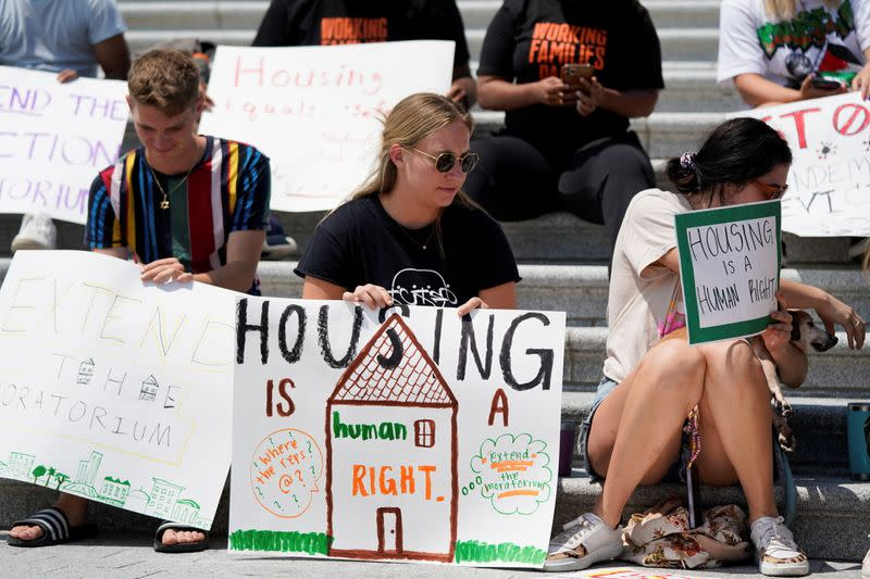 Pelosi pushes White House to protect renters from eviction