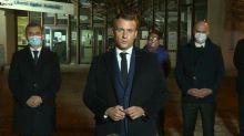 """""""Ils ne passeront pas"""": Macron dénonce """"un attentat terroriste islamiste"""" après la mort de l'enseignant décapité"""