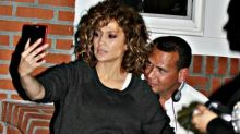 Jennifer Lopez y Alex Rodriguez en constante toqueteo